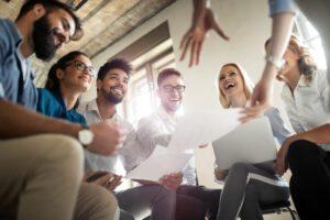 asesoría para emprendedores en Valencia - reunión de empresa